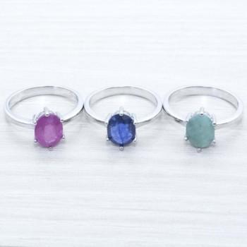 Anillo piedras preciosas...