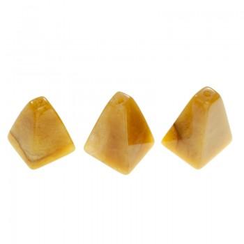 Pirámide de piedra perforada
