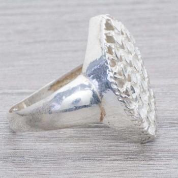 Anillo oval diamantado...